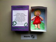 Mother& Day: Mommy in a box - With this step-by-step plan, the children make a box for Mother& Day: make a mama figure in c - Mother And Father, Mother Gifts, Home Crafts, Diy Crafts, Mother's Day Projects, Presents For Dad, Fathers Day Crafts, Crafts For Kids To Make, Camping Crafts