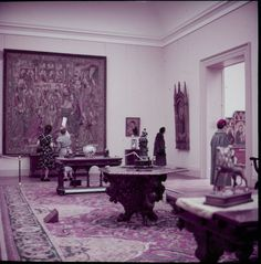 The Metropolitan Museum of Art, Paintings Gallery 43: The Lehman Collection; With people. Photographed in 1955. Image © The Metropolitan Museum of Art