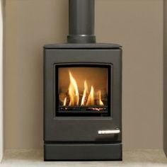 The small Yeoman Balanced flue Gas stove offers a generous heat output and features a realistic log fuel effect bed Small Gas Stove, Gas Stove Parts, Small Gas Fireplace, Freestanding Fireplace, Fireplace Ideas, Stove Fireplace, Gas Log Burner, Wood Burner, Flueless Gas Stove