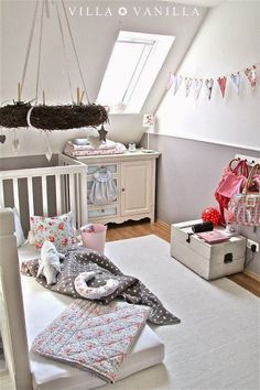 Inspiratie Babykamer en Kinderkamer - Dreumes enZo Ideas for inspiring kids spaces. Cute idea for a kids bedroom.