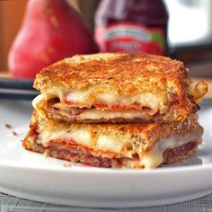 Oh heavens to Betsy, yes!!! Bacon, Pear, and Raspberry Grilled Cheese Sandwiches. #food #raspberry #pear #grilled #cheese #sandwich #lunch