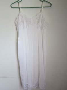 Vintage Wonder Maid White Non Cling Knee Length Slip w Lace Size 34 | eBay