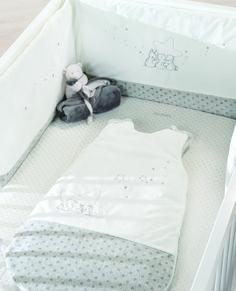 """Noukie's, collection """"Poudre d'étoiles"""" - Tour de lit + sac de couchage 70 cm avec personnages + Ma première couverture Nouky"""