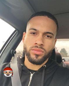 Beard Types: 5 Styles Based On Face Shape - Mens Hair Styles Hot Black Guys, Fine Black Men, Gorgeous Black Men, Handsome Black Men, Beautiful Men Faces, Fine Men, Fine Boys, Beautiful Lips, Black Boys