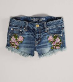 NWT AE Needlepoint Floral Denim Shortie New with tags! AE Needlepoint Floral Denim Shortie Floral embroidery on pockets Frayed hem Stretch Size 00 American Eagle Outfitters Shorts Look Star, Diy Clothes, Clothes For Women, Floral Patches, All Jeans, Women's Jeans, Floral Denim, Floral Shorts, American Eagle Shorts
