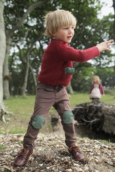 """Shop Elfie's children's clothes at Boutique de Noel. Elfie offers a nostalgic English style, clothes that """"look like they've come out of a fairy tale""""."""