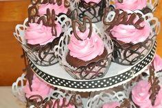 Cupcakes at a Paris Party #paris #partycupcakes