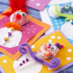 Snowman Sucker Cards - great kids craft: potato stamp for belly, glue on a sucker and add dollar store embellishments
