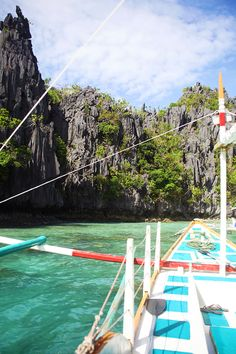 5 tips for island hopping in El Nido Palawan, the #Philippines | The Love Assembly #travel #island
