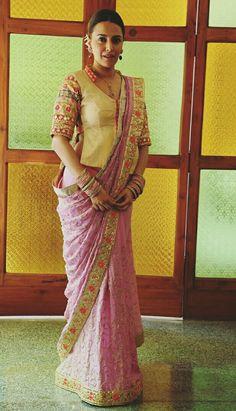Saree with long blouse Choli Blouse Design, Saree Blouse Neck Designs, Choli Designs, Saree Blouse Patterns, Fancy Blouse Designs, Designer Blouse Patterns, Designer Saree Blouses, Skirt Patterns, Coat Patterns