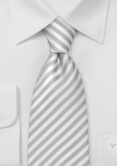 Gestreifte Krawatte in silber/weiß