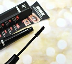 IT Cosmetics Superhero Elastic Stretch Volumizing Mascara - False Lashes without actual false lashes. no fibers involved! Fake Eyelashes, False Lashes, Brows, Eyeliner, Makeup Must Haves, Volume Mascara, Stretching, Blogging, Mascaras
