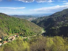 Stupenda Valle Cervo oggi dal Monte Pila (Oriomosso) guardiamo verso Andorno Micca e le pianure oltre #Biella! Magia del #Piemonte. #ExploreBiella #ExploreCampigliaCervo