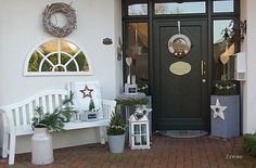 Christmas decorated … – Living and Garden Photo Source by Shabby Chic Terrasse, Shabby Chic Patio, Decoration Entree, Garden Deco, Theme Noel, Outdoor Living, Outdoor Decor, Garden Photos, Outdoor Projects