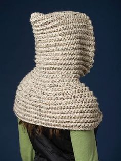 001 The Riding Hood Capelet pattern by Jocelyn Sass This is a pattern that all crocheters will want to make and it IS suitable for BEGINNERS as well. The design works up very quickly in one piece with a large hook and Super Bulky yarn! Crochet Hooded Cowl, Gilet Crochet, Knit Crochet, Crochet Hats, Basic Crochet Stitches, Crochet Basics, Beginner Crochet, Crochet Headband Pattern, Capelet