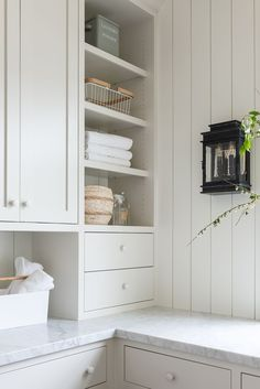 Mudroom Laundry Room, Laundry Room Design, Laundry Room Inspiration, Studio Mcgee, Deco Design, White Cabinets, Home Kitchens, Sweet Home, New Homes