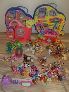 Littlest Pet Shop Lot Of 144 Various Animals Carrying Case Hasbro Some Rare Cat Dog Monkey Fish Deer Turtle Hamster Bird Fish Panda Awesome Toys, Cool Toys, Lps For Sale, Rare Dogs, Lps Accessories, Lps Littlest Pet Shop, Little Pet Shop, Selling On Ebay, My Childhood