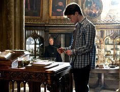 HARRY POTTER AND THE HALF-BLOOD PRINCE, from left: Maggie Smith, Daniel Radcliffe, 2009. ©Warner Bros.