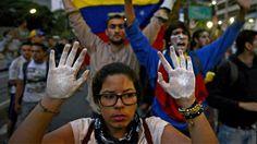 Las protestas en Venezuela en 90 segundos - BBC Mundo - Video y Fotos