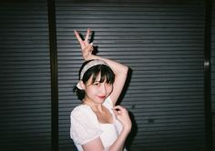 """Instagram on Instagram: """"22-year-old Japanese musician eill (@_eill_) started singing and composing music on her laptop at age 15 — blending K-pop, J-pop, soul and…"""" 22 Years Old, Year Old, Group Facetime, Singing, Japanese, Kpop, Music, Instagram, Beauty"""