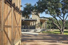 Side porch of Modern-rustic barn style retreat in Texas Hill Country Texas Hill Country, Hill Country Homes, Texas Farm, Rustic Barn, Modern Rustic, Modern Farmhouse, Rustic Elegance, Montana, Terraced Landscaping