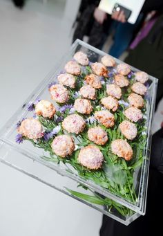 Canape trays decorated with flowers - Estee Lauder