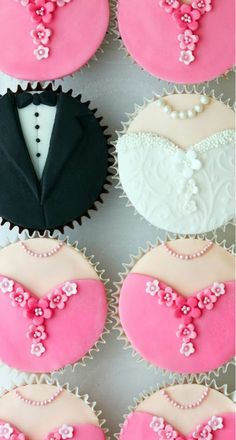 wedding cakes different colors of course! )