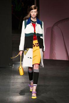 Prada at Milan Fashion Week Spring 2014 - Runway Photos Moda Instagram, Fashion Show Themes, Pop Art Fashion, Trendy Fashion, Runway Fashion, Fashion Models, Spring Fashion, Fashion 2014, Milan Fashion