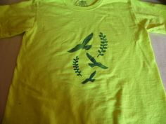 T-shirt Yellow With Birds In Flight Screen Printed On front #Handmade #CrewNeck