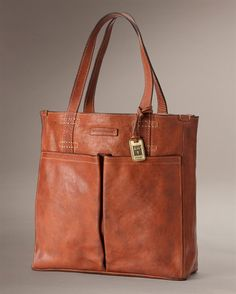 Artisan Pocket Tote - View All Leather Handbags For Women - The Frye Company Supernatural Style Soft Leather Handbags, Designer Leather Handbags, Leather Purses, Luxury Handbags, Tote Handbags, Purses And Handbags, Fossil Handbags, Coin Purses, Crea Cuir