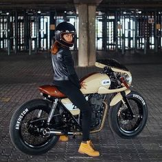 Everything is perfect... except the shoes!  #lord_biker #shoes #motorcycle #moto #motarde #DGR #city #protection #madeinfrance #france #caferacer #lady #biker #racer