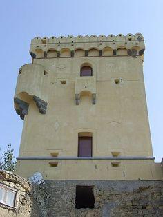 File:Torre aragonese della Rotonda - Procida.JPG