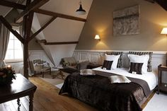 "Used in filming ""In Bruges"": Number 11 Exclusive Guesthouse, a boutique hotel in Bruges"