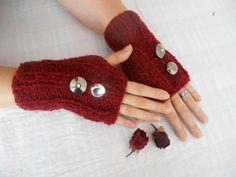 Valentine's Day Bordeaux Knitted Gloves Gloves by YASEMINYASEMIN