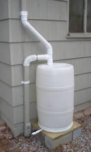 Rain barrel for rain collection Outdoor Projects, Garden Projects, Diy Projects, Jardin Decor, Water Barrel, Water From Air, Water Collection, Rainwater Harvesting, Water Storage