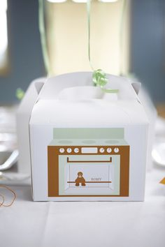 LETTUCE & CO - STYLE. EAT. PLAY run, run, as fast as you can gingerbread man themed children's birthday party. perfect colours for either a boy or girl! custom designed and printed personalised goody party box for all the 'little' guests.