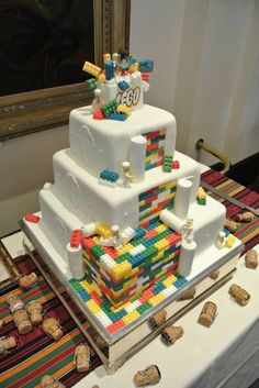 10 Ideas for Lego Wedding Cake - Best Wedding Ideas and Inspiration Cakes To Make, How To Make Cake, Lego Wedding Cakes, Cool Wedding Cakes, Cold Cake, Cheap Clean Eating, Lego Cake, Minecraft Cake, Savoury Cake