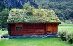 Cabin (hytte) in Aurland Kommune, Sogn and Fjordane Fylke, Norway Roofing Options, Roofing Systems, Green Roof System, Residential Roofing, Living Roofs, Earth Homes, Cabins And Cottages, Cottage Design, House Roof