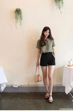 Korean Fashion Summer Look Fashion – Fashion Trends 2019 Korean Fashion Trends, Korea Fashion, Fashion Week, Asian Fashion, Look Fashion, Trendy Fashion, Fashion Models, Girl Fashion, Fashion Outfits