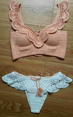 Bikini/bathing suit for small chest ❤ yourbody✨Seno piccoloCrochet Swimwear Crochet top bottoms Discovred by : Chiêu Firefly Easy AF Ways to Make a Crop Top With Stuff You Already Have For all you guys living that DIY life.Ideas For Swimwear Motif Bikini Crochet, Crochet Crop Top, Crochet Tops, Crochet Bikini Bottoms, Mode Crochet, Knit Crochet, Crochet Summer, Crochet Collar, Crochet Clothes