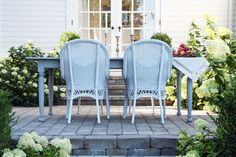 A Country Farmhouse: New Patio Table and Chairs