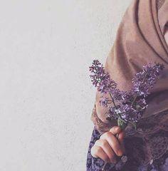 Modesty is حجاب Hijabi Girl, Girl Hijab, Hijab Outfit, Hijab Style, Hijab Chic, Muslim Girls, Muslim Women, Muslim Fashion, Hijab Fashion