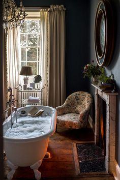 Home Interior Design — A Girls Getaway to Babington House in Somerset Soho House, Cheap Home Decor, Diy Home Decor, Interior Exterior, Interior Design, Interior Modern, Babington House, Living Room Wood Floor, Girls Getaway