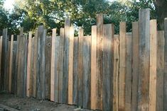 Ideas for Decorating your Garden Fence (DIY) privacy fence ideas Diy Privacy Fence, Diy Garden Fence, Backyard Privacy, Backyard Fences, Fun Backyard, Privacy Screens, Garden Ideas, Stone Backyard, Backyard Designs