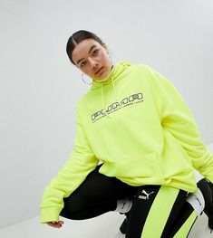 Browse online for the newest Puma Exclusive To ASOS Plus Legging With Neon Side Panel styles. Shop easier with ASOS' multiple payments and return options (Ts&Cs apply). Neon Outfits, Swag Outfits For Girls, Fashion Outfits, Cheap Fashion, Latest Fashion, Men's Fashion, Fashion Advice, Fashion Brands, Fashion Stores