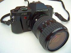 Pentax P30 (1985), 35mm film SLR camera + Takumar-A zoom 1:3,5~4,5 28~80mm lens.