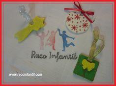 Hoy seguimos con los adornos navideños con nuestra Bola de plastelina para decorar el árbol de Navidad!  http://www.racoinfantil.com/manualidades/adornos-navide%C3%B1os/bola-de-plastelina/