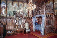 Замок Нойшванштайн neus-spalnya.jpg (2640×1785)