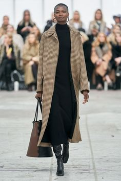 CATWALK The complete By Malene Birger Copenhagen Fall 2020 fashion show now on Vogue Runway. Fashion 2020, Look Fashion, Fashion Show, Catwalk Fashion, High Fashion, Paris Fashion, Copenhagen Style, Copenhagen Fashion Week, Looks Street Style