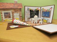 Stempelfenster: Ein Klassenzimmer zur Einschulung